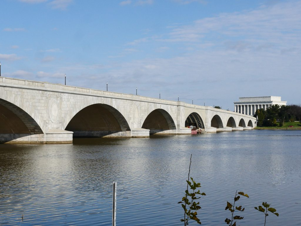 The Arlington Memorial Bridge spans the Potomac River between the Lincoln Memorial and the Arlington National Cemetery. Almost 70,000 vehicles cross this bridge each day. (Alex Lucas / The Wash)